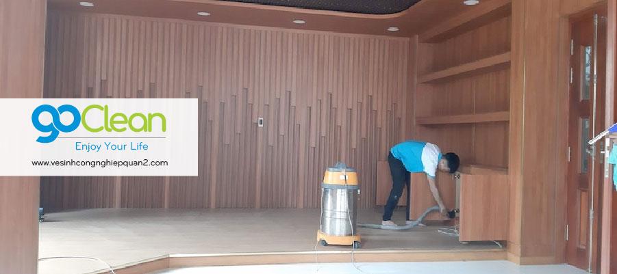 Đội vệ sinh nhà cửa quận 2 làm sạch biệt thự sau xây dựng